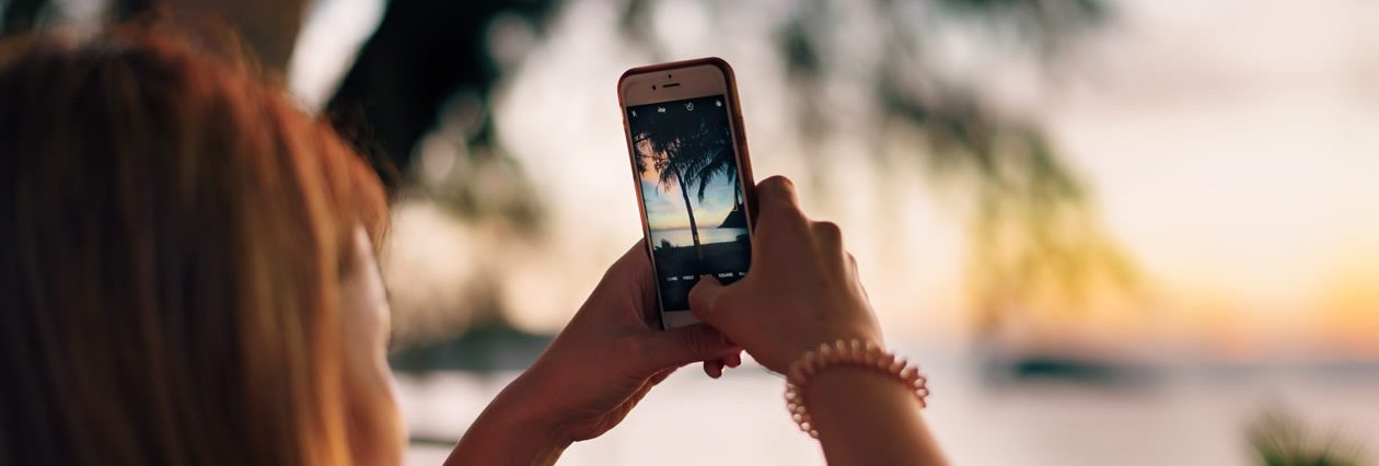 Are holiday selfies putting your home at risk?